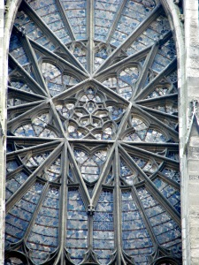 12. Star and Pentagon, Amiens Cathedral, France (photo by Vassil from Wikimedia Commons)